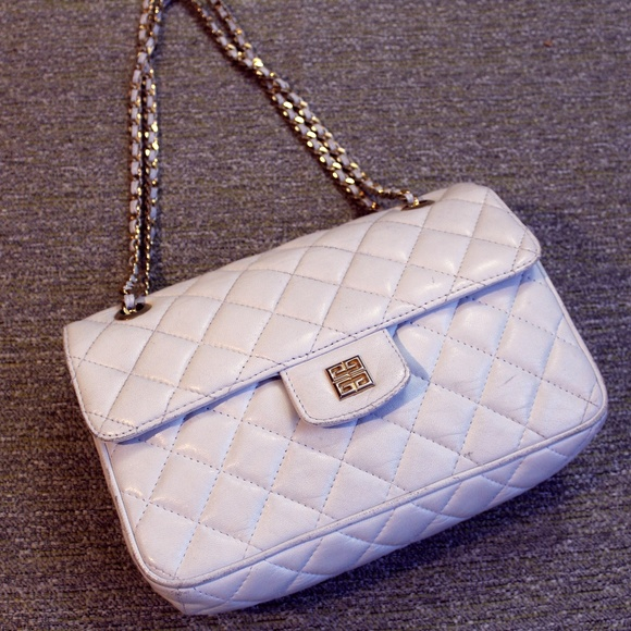 c42e276c01 Givenchy Handbags - Iconic Vintage Givenchy Quilted Gold Chain Purse